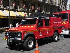 Place Saint Michel (portemolitor) Tags: terrain paris rover land 75006 landrover 5th arrondissement 5e pompier 6th brigade 6ème tout pompiers 5ème 6e 75005 sapeurs placesaintmichel sapeur bspp brigadedesapeurspompiersdeparis sapeurpompiertoutterrain