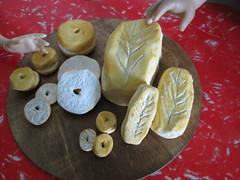 Three scales of breads... (Pumpkin Hill Studios/King William Miniatures) Tags: americangirl playfood mytwinn bjds playscale dollfood 070814 bjdfood