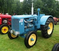 Tracteur Sift 60 (gueguette80 ... non voyant pour une dure indte) Tags: old tractor cars autos 80 juillet tracteur voitures picardie 2014 somme anciennes anciens rassemblement vhicules pernois