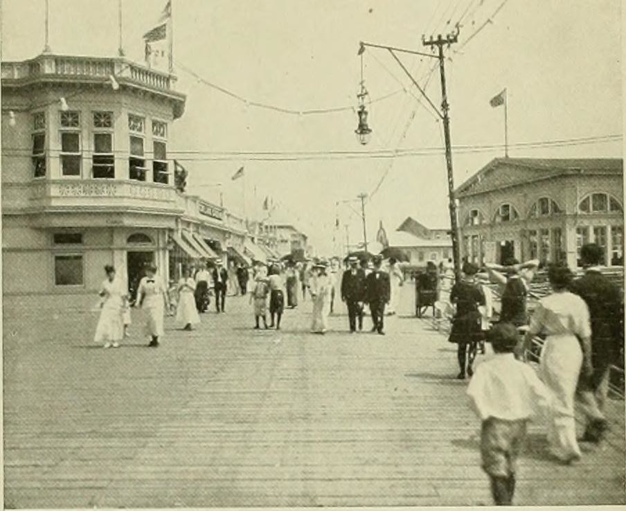 "Image from page 4 of ""Forty beaches, highland and water resorts"" (1915)"