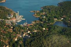 Down below (*Kicki*) Tags: sweden air aerial explore helicopter roslagen grisslehamn flickrexplore väddö explored a850 havsbaden