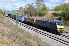 90034 90037 4M25 Weaver Junction (cmc_1987) Tags: 90034 90037 class90 ews dbcargo dbschenker db electric intermodal malcolm weaverjunction wcml