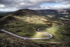 Into the valley (sidibousaid60) Tags: edalevalley edale rushupedge mamtor derbyshire uk peakdistrict nationalpark road mountains sky clouds landscape outdoor nikond750