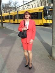 red skirtsuit (Marie-Christine.TV) Tags: red skirtsuit skirt suit secretary kostüm sekretärin feminine transvestite lady mariechristine tgirl tgurl tv pumps courtshoes