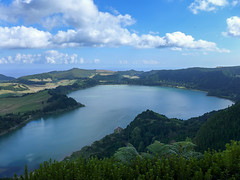 Reflecting the sky (RIch-ART In PIXELS) Tags: lagoadasfurnas furnas azores sãomiguel portugal crater lake water reflection landscape leicadlux6 leica dlux6 sky clouds hills