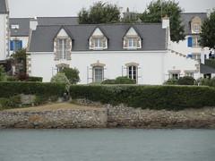 Belle maison sur l'îlot Saint-Cado, commune de Belz (Bretagne, Morbihan, France) (bobroy20) Tags: saintcado bretagne maison bâtisse morbihan pontlorois fenêtre architecture mer littoral paysage etel belz plouhinec erdeven