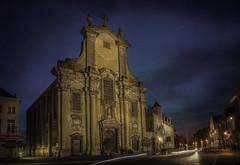 Mechelen, Veemarkt (Luc Mercelis) Tags: mechelen sonyilce7 blauw morgen minoltaprimelens24mm blue bluehour red yellow lightroom light lightbeam lights church