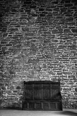 Resting place (stefanko31) Tags: castle stone brick wall bench doune castledoune leoch outlander monochrome blackandwhite bw texture