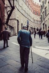 Camminata di terza età (Ivan Paoletti) Tags: old street streetphotography streetphotographer streetphoto streetstile streetstyle life age grandfather