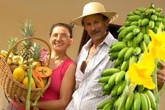 Codevasf e Mapa cumprem primeira etapa de apoio à produção no Sistema Itaparica em Pernambuco (Codevasf) Tags: abacaxi banana cesta flor fruta fruto mamao retrato tamireskopp brazil