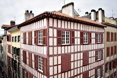 Perspective basque (bonnaudthomas) Tags: maison house colombages paysbasque basquecountry bayonne