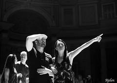Sintonia di coppia (Ajelen Foto) Tags: roma pantheon occhiodiluce street sintonia coppie sguardi luce ombra ajelen