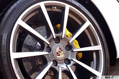 caymans-4 (Wax-it.be) Tags: white detail reflection yellow shine s porsche finish looks gloss cayman carbon protection pse detailing pccb coating durability nanocoating nanolex citringelb