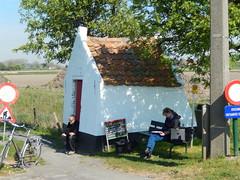 Veldkapel, Meetkerke (Erf-goed.be) Tags: geotagged westvlaanderen kapel zuienkerke archeonet mariakapel veldkapel meetkerke geo:lon=31576 geo:lat=512314