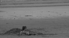 Mundo novo (marcia.kohatsu) Tags: praia beach kid pb criana portobelo perequ