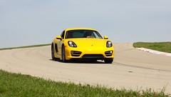 Porsche-Action-03