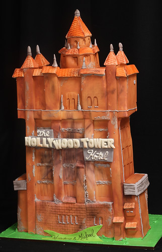 Tower of Terror Cake med