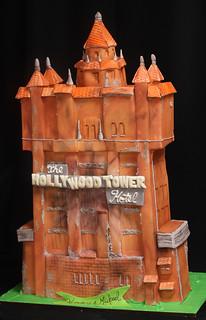 Tower of Terror Cake med
