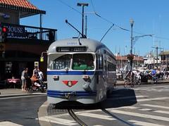 Running the Gauntlet! (Deadman's Handle) Tags: sanfrancisco tram fishermanswharf streetcar