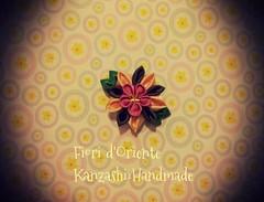Vi piace questo kanzashi? Do you like this kanzashi? A quien gusta esta flor kanzashi?  Vous aimez ce kanzashi?  Handmade kanzashi Fioridoriente  #handmade #kanzashi #fioridoriente #kimono #geisha #maiko #flower #fiori #fleur #flores #flor #fleurentissu # (fioridoriente) Tags: flores flower fleur japan handmade flor maiko fabric geisha kimono ribbon fiori cinta tela tissu kanzashi nastro tessuto fleurentissu fioridoriente