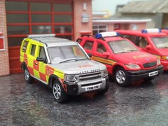 New station car (quicksilver coaches) Tags: model 4x4 oo landrover discovery firebrigade diecast 176 oxforddiecast