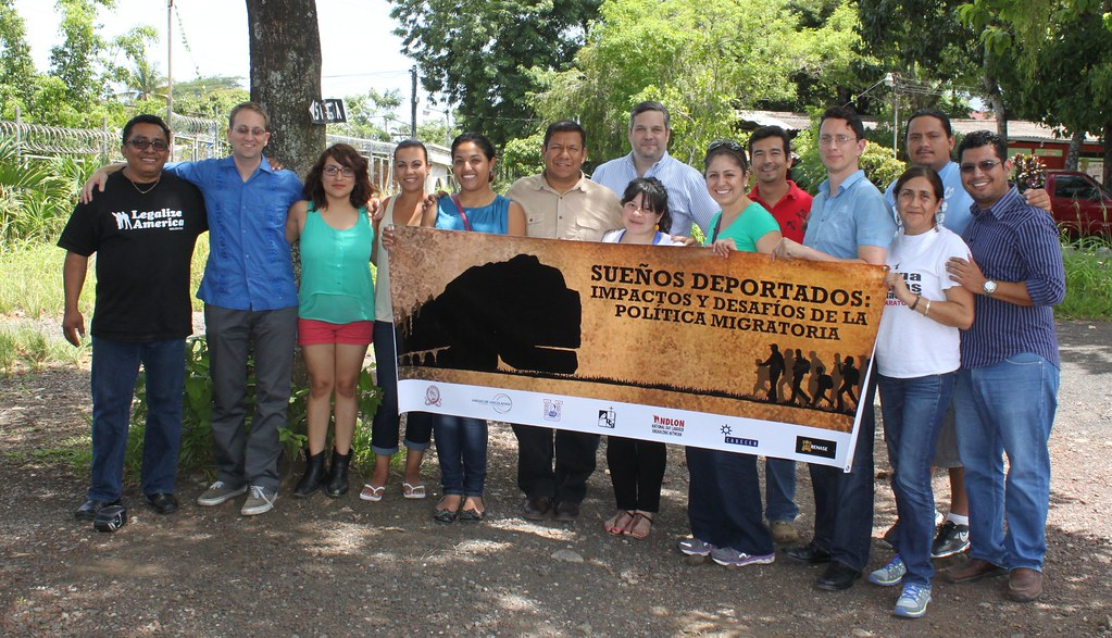 Sueños Deportados: Foro comunitario en l by ndlon, on Flickr