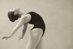 Aspirare al cielo (Blas Torillo) Tags: bw ballet byn blancoynegro sepia méxico mexico blackwhite dance nikon danza puebla lorena professionalphotography fotografíaprofesional mexicanphotographers d5200 fotógrafosmexicanos nikond5200