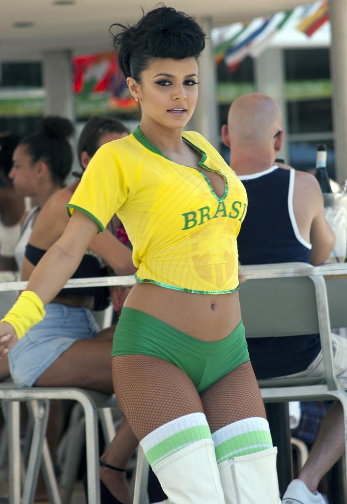 Sexy brasil pussy, lan party blowjob