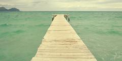 Nunca pensé que llegaria a pasar. (Lucia Cortés Tarragó) Tags: blue summer sky sun muro beach car sunshine sand nikon friend air free mallorca nobel baleares wenesday