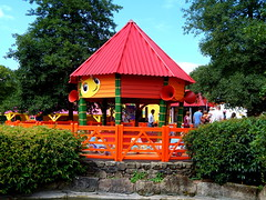 The Numtums Number-Go-Round (ThemeParkMedia) Tags: family go towers number bbc round merlin land childrens shows rides alton num attraction attractions tums cbeebies entertainments