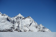 Depuis le train du Gornergrat (Iris_14) Tags: gornergrat gornergratbahn zermatt valais wallis alpes alps swissalps glacier montagne mountain peak schweiz switzerland suisse