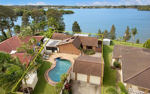 14 Seafarer Place, Banora Point NSW 2486