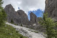 s42 (Alessandro Gaziano) Tags: alessandrogaziano montagna foto fotografia dolomiti dolomites dolomitiunesco sassolungo sassopiatto valgardena altoadige panorama landscape cielo sudtirolo unesco colori