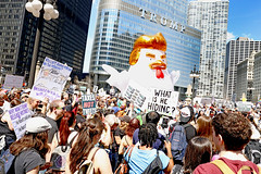 Trump is a CHICKEN! (kirstiecat) Tags: impeachtrump politics liberal protest trumpisachicken resist resistfascism taxmarch notaxationwithoutrepresentation thisiswhatdemocracylookslike surreal accountability street canon taxes taxfraud whatishehiding chicago downtown march people crowd strangers taxesnottweets trumptower