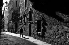 The Path (Sergi_Escribano) Tags: streetphoto barcelona barcelonastreetphotography sergiescribano sergiescribanophotography nikonfm2 kodaktmax filmsnotdead film filmnoir analogphotography 35mm streetphotography streetsofbarcelona architecture light lightanddarkness shadows darkness darkcity noircity
