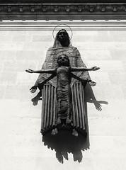(DeepSane) Tags: london art virginmary jesus sculptures