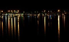 Cores do Lago (Miranda, L.) Tags: lago night noite longexposure lake paranoá brasília brasil brazil t6i 50mm lua moon fullmoon céu sky 75300 canon