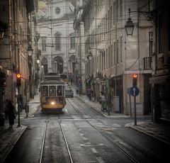 _DSC4918-2 (jsanchezq65) Tags: lisboa lisbon tram portugal tranvia cityscape urbanscape paisajeurbano cosmopolita street calle ciudad city