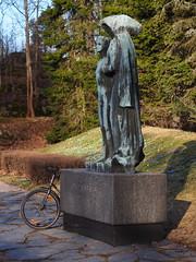 2017 Bike 180: Day 78, April 20 (olmofin) Tags: 2017bike180 finlan bicycle pro matria munkkniemi maaemo suojelee poikaansa wäinö aaltonen sankarihauta gert skytten puisto