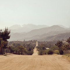 Moutain View Rd (tltichy) Tags: yuccavalley afternoon desert dirt haze hazy hidesert hills mojave mountainview mountains outdoors road sanbernardino socal southerncalifornia view