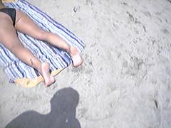 f444071 (DolceaiPiedi) Tags: feet girl foot candid barefoot piedi ragazze amatorial amatoriali