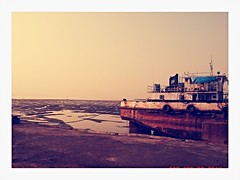Sea surrounding (ymankame) Tags: old sunset summer sky sunlight beach nature water vintage boats grunge horizon seaface coolplace instagram