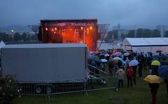 Linzfest 2014 (austrianpsycho) Tags: people linz leute stage menschen openair regnerisch 2014 donaupark verregnet schlechtwetter linzfest bühne donaulände 17052014 bühneimdonaupark linzfest2014