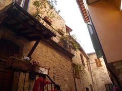 SPELLO.Umbria.Italia.04-2014.21.Macetas y balcones. (joseluisgildela) Tags: italia umbria spello