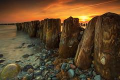 groyne (FH | Photography) Tags: sunset strand see meer mood sonnenuntergang alt balticsea steine ufer holz landschaft ostsee horizont stimmung stimmungsvoll wellen wellenbrecher buhne romantisch bune buhnen bunen uferwasser