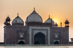 Taj Sunrise 2205 (Ursula in Aus) Tags: india architecture taj tajmahal mosque unesco masjid uttarpradesh earthasia