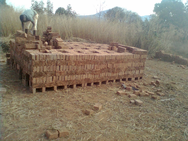 building the kiln (640x480)