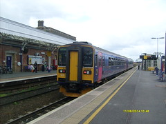153318 (6/11/2014) (Rusty the Maker) Tags: class local 153 sprinter 153318
