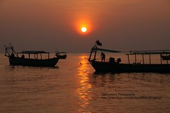 Sihanoukville, Serendipity beach, sunset (blauepics) Tags: city sunset red sea sun rot beach water silhouette strand boot boat sand cambodia kambodscha meer sihanoukville wasser ship sonnenuntergang stadt serendipity sonne schiff