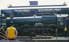 Guarding Royalty! (24082CH) Tags: chester 6000 gwr kinggeorgev